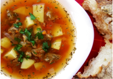 Pork soup with yoghurt