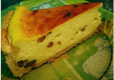 Reţetă pască cu brânză dulce şi stafide