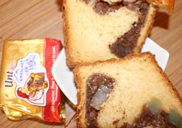 Cozonac cu crema de cacao, nuci si stafide