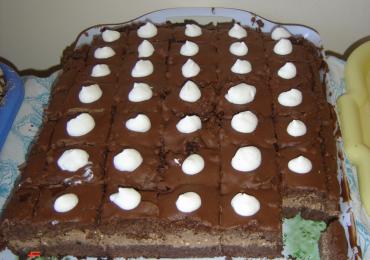 Prajitura cu crema de ciocolata si frisca