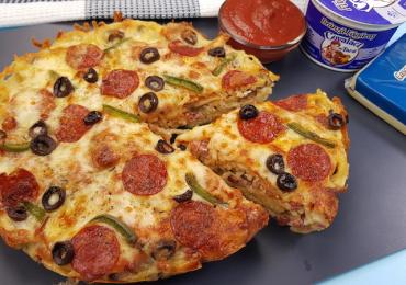 Pizza pe spaghete