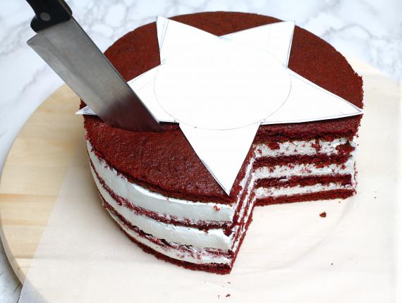 Tort pufos de sărbătoare