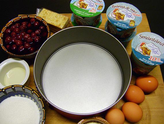 Prăjitură ușoară cu brânzică de casă si smântână Covalact de Țară