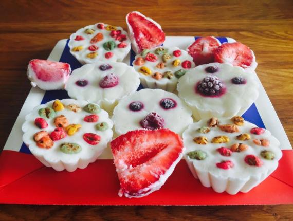 Deserturi sănătoase şi gustoase pentru copii, cu Iaurt Cremos Covalact de Țară