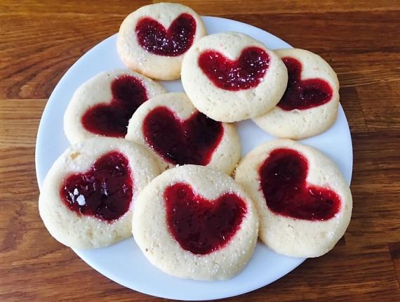 Prăjiturele de Dragobete cu Unt Covalact de Țară